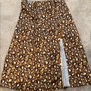 Leopard maxi skirt with slit